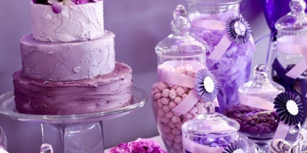 Quinceañero de color Violeta